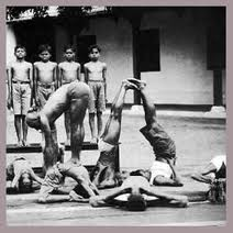 Sri Krishnamacharya teaching Pattabi Jois