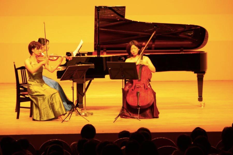オープニングはモーツァルトのピアノトリオ。アンケートでも人気の一曲でした。