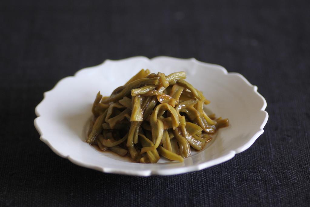 炒貢菜/山くらげの香り炒め