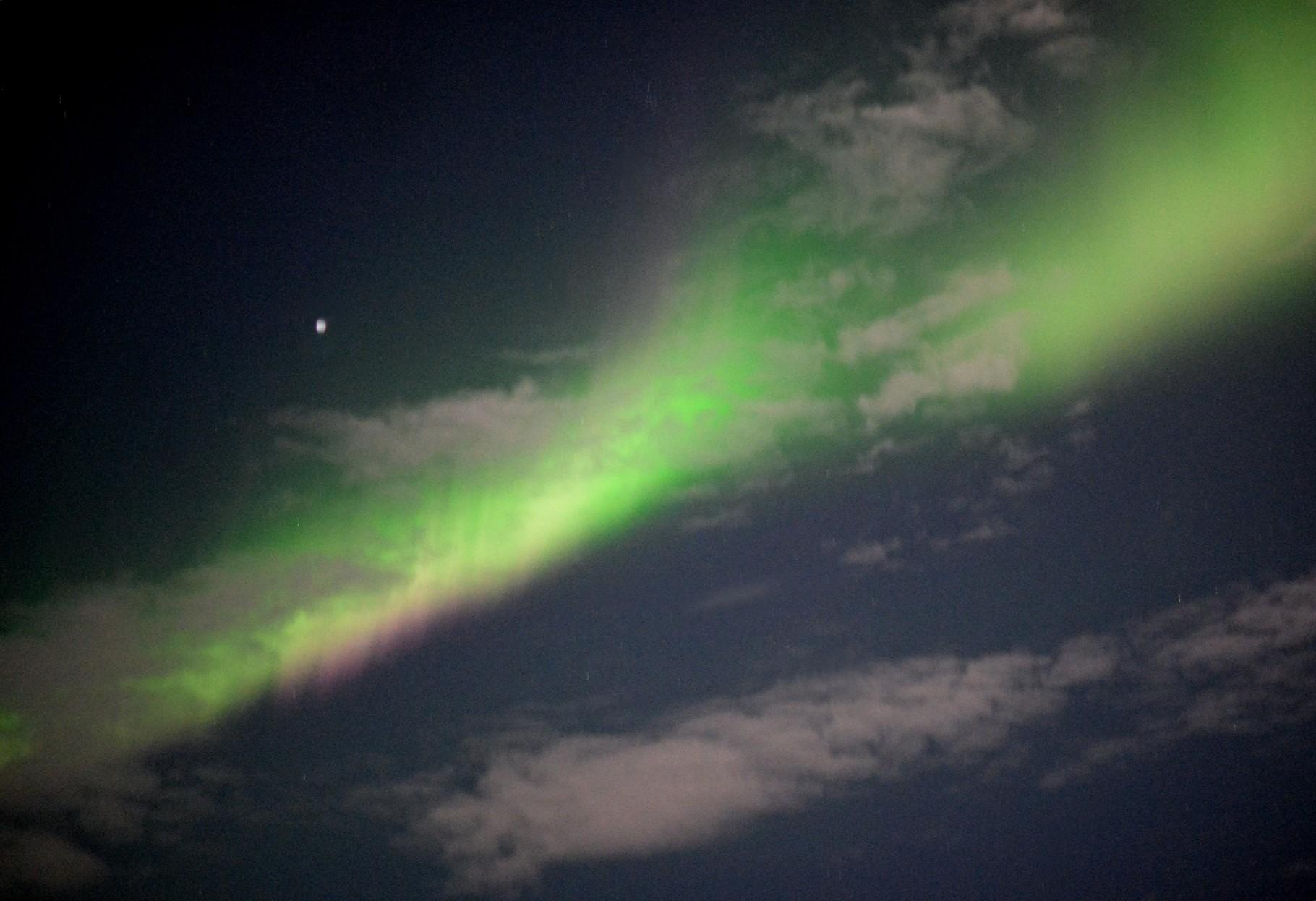 Bild 10-188 - Die Häufigkeit der Polarlichterscheinungen in den mittleren Breiten (Mitteleuropa) hängt von der Sonnenaktivität ab
