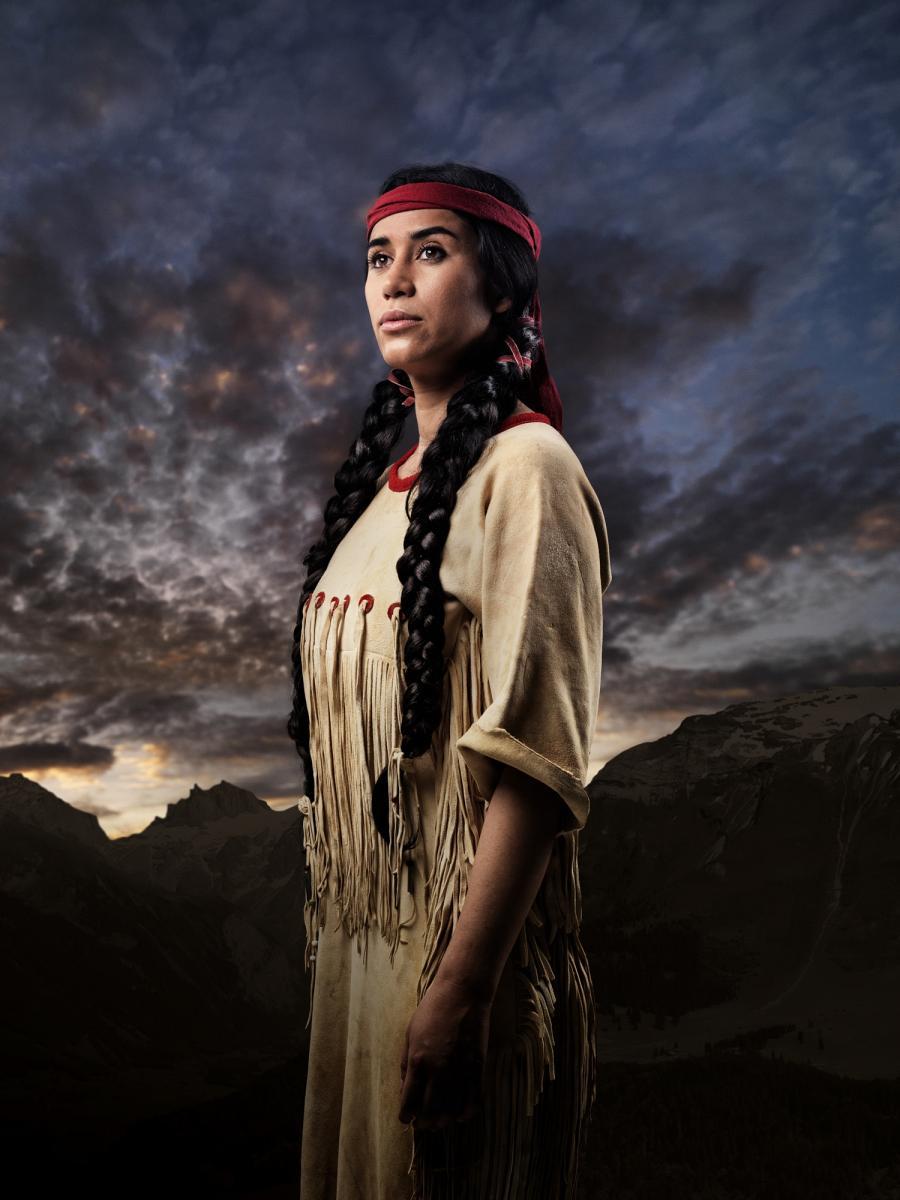 Alejandra Cardona als Nscho-tschi
