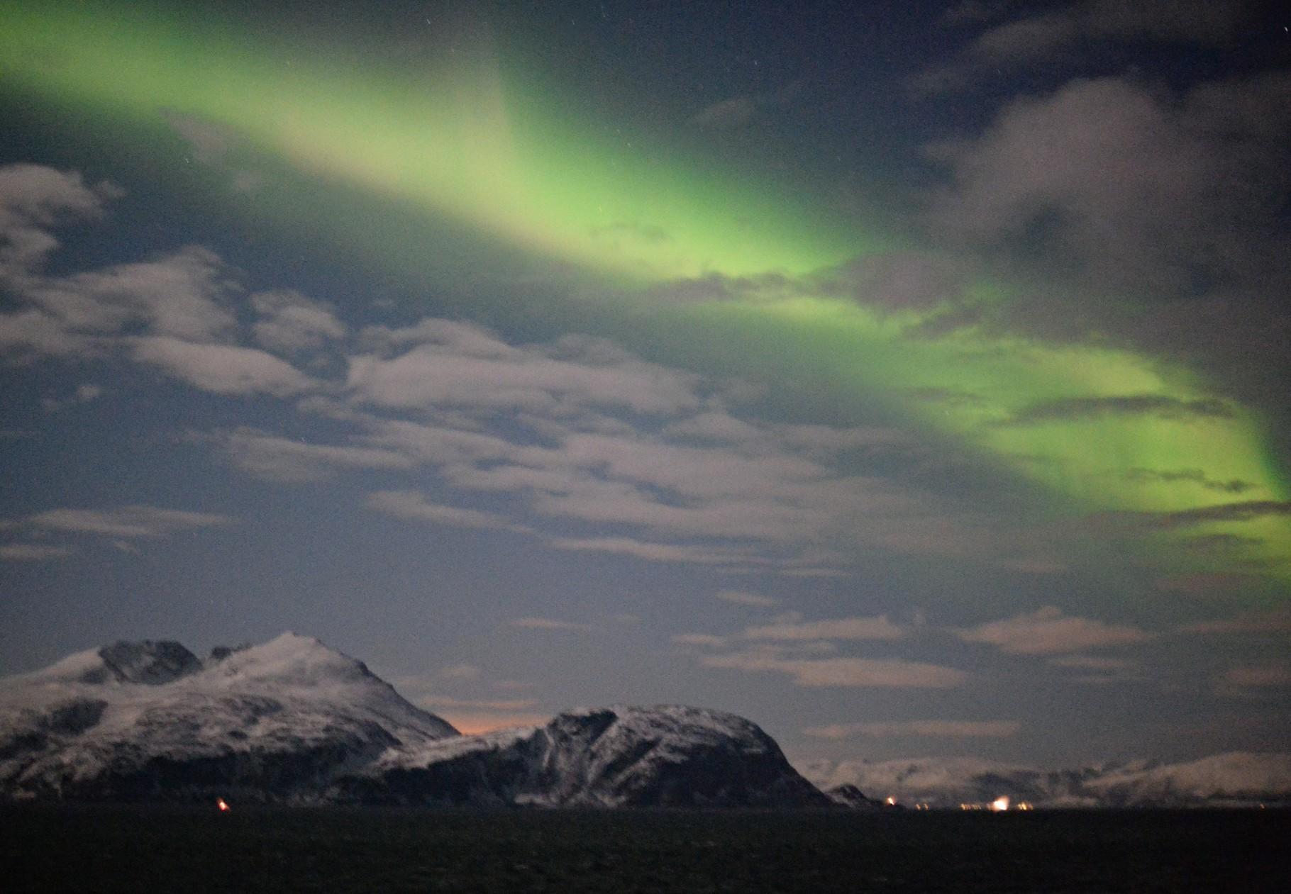 Bild 10-187 - Das Polarlicht (als Nordlicht) am Nordpol - wissenschaftlich Aurora borealis