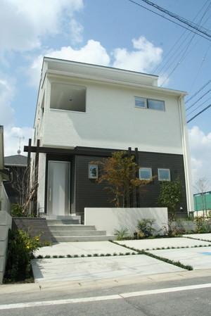豊田浄水の家ではプラスGを鳥居型に組み和を表現しています