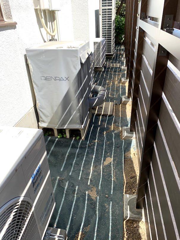 室外機エリアは防草シート「ザバーン」でしっかり雑草対策