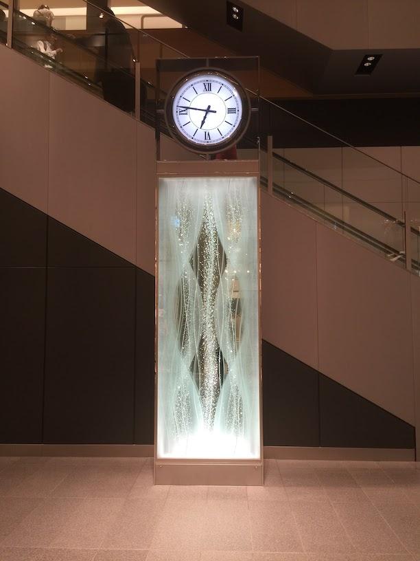 柴ちゃんが一目惚れしたJRゲートタワー内にあるクリスタルの時計台。
