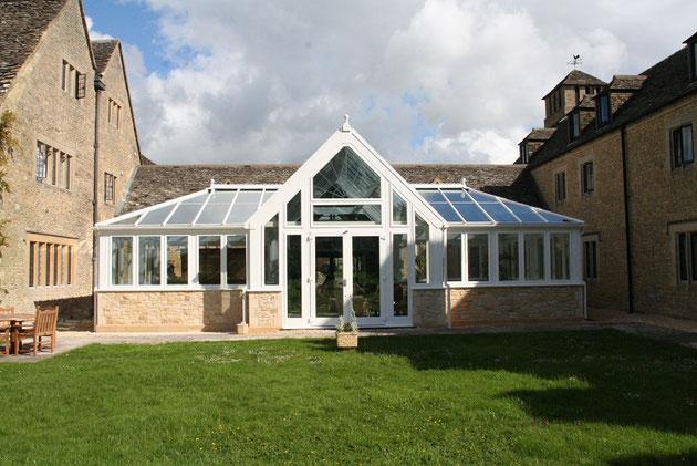 イギリスにあったグラスハウス。