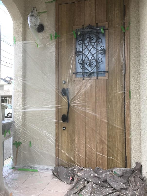 玄関ドアもしっかりと!!