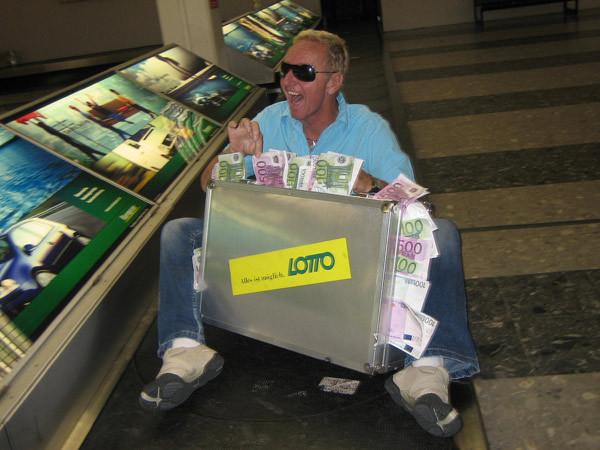 Klaus gewinnt im Lotto (oder auch nicht)