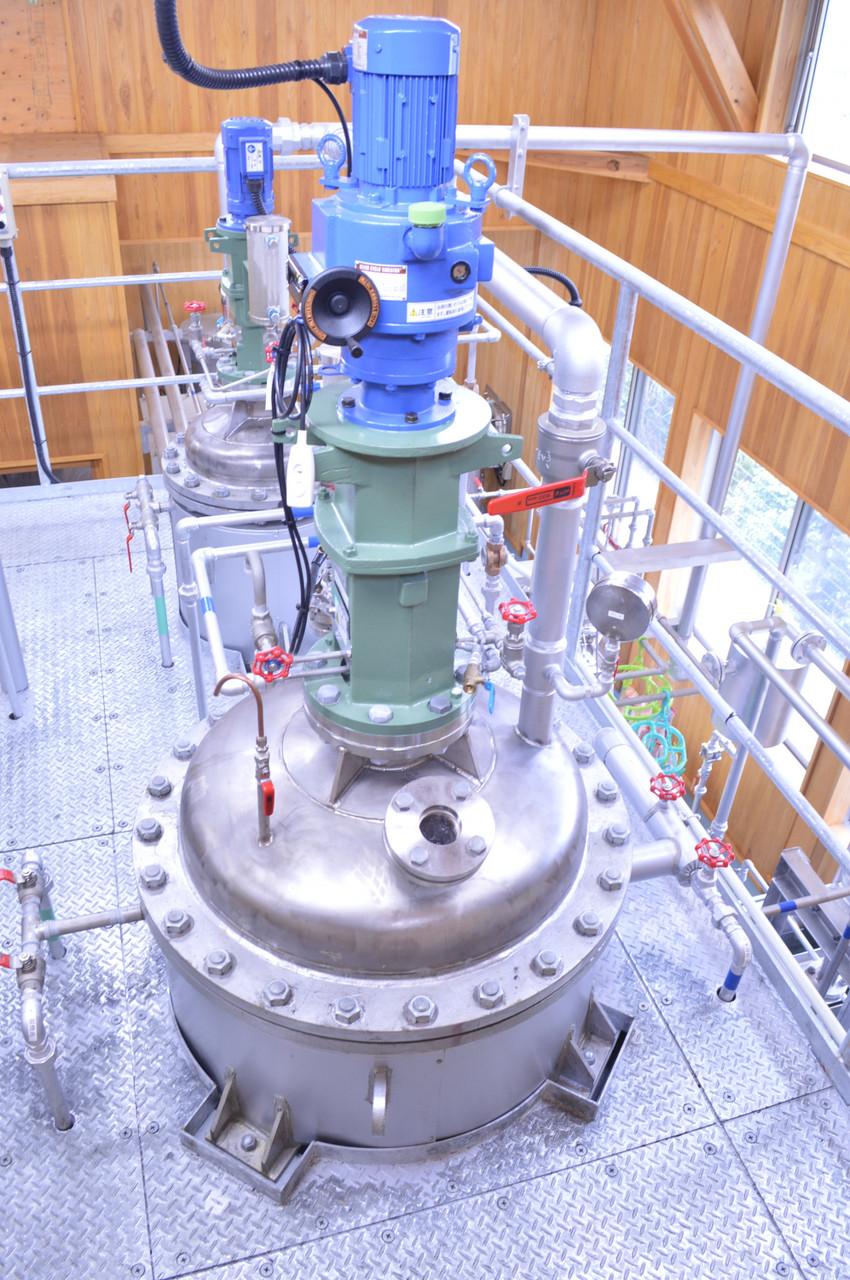 8.高温で真空脱水し水分を蒸発させます