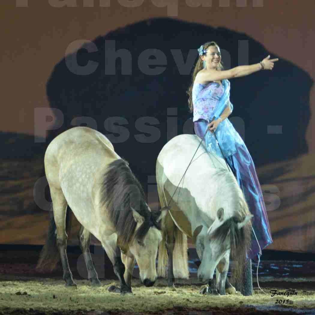 Cheval Passion 2015 - Spectacle des Crinières d'OR - Lucie VAUTHIER & 2 chevaux en liberté - 15