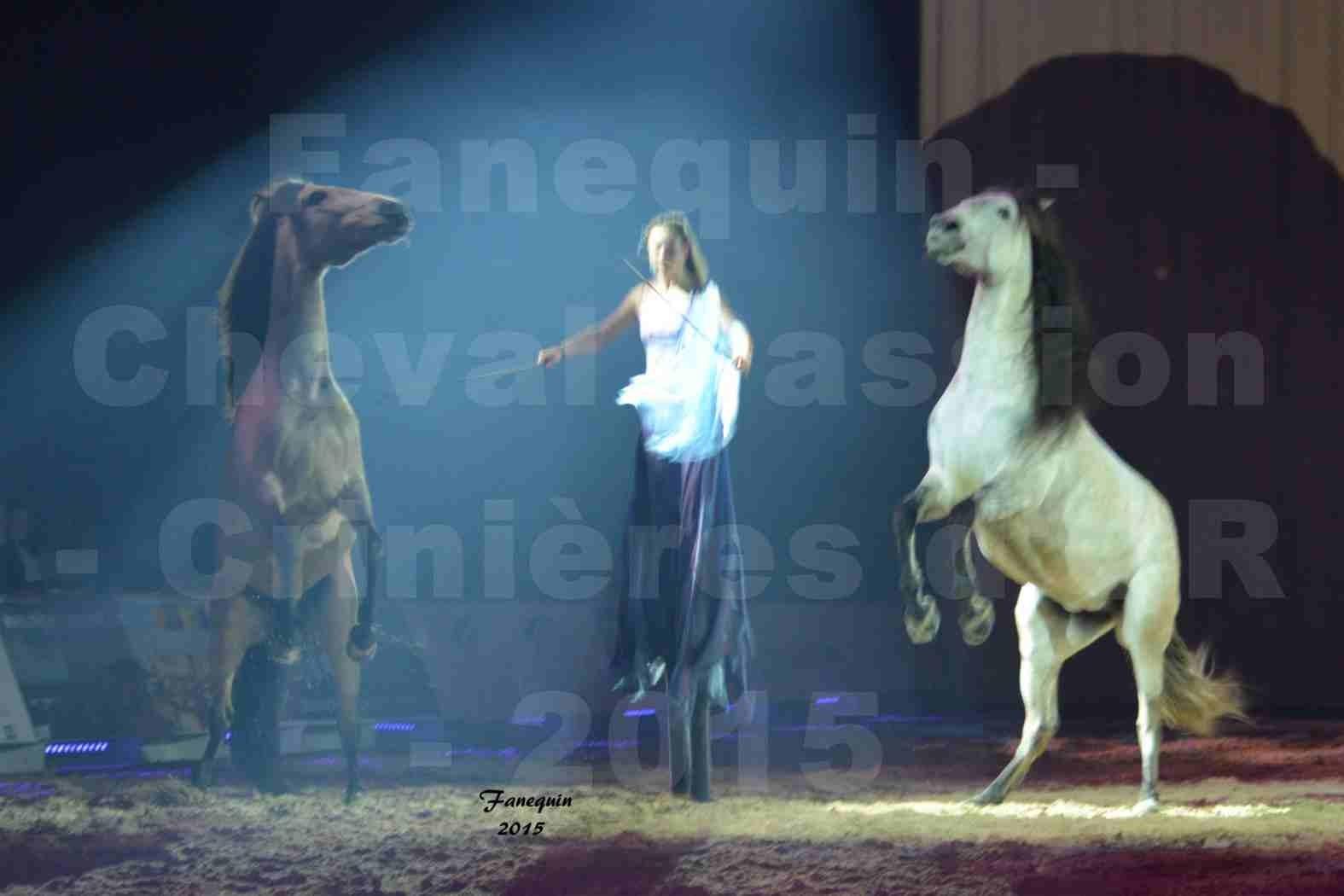Cheval Passion 2015 - Spectacle des Crinières d'OR - Lucie VAUTHIER & 2 chevaux en liberté - 14