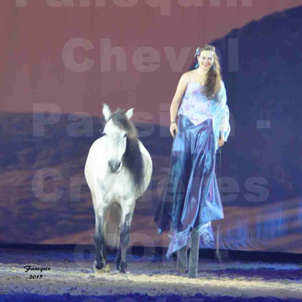 Cheval Passion 2015 - Spectacle des Crinières d'OR - Lucie VAUTHIER & 2 chevaux en liberté - 02