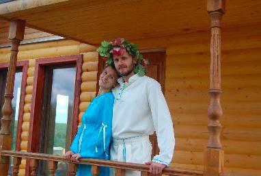 斯拉夫諾耶的導演:安德烈沙德洛夫,和他的妻子塔提安娜。