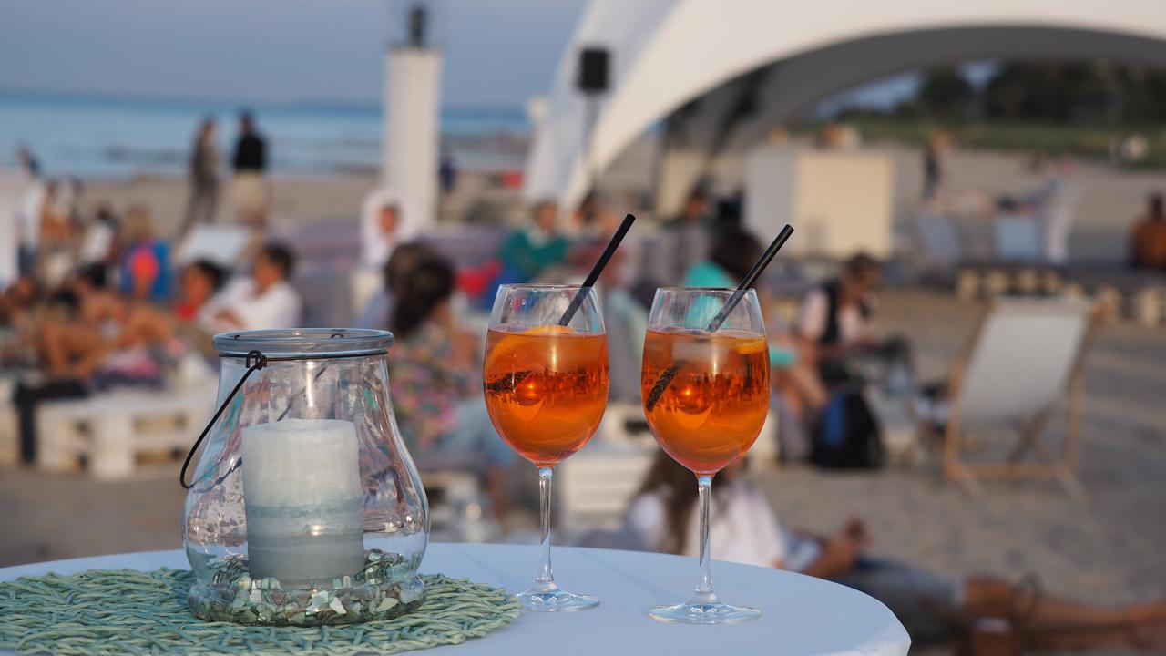 Strandklub-Lounge ...