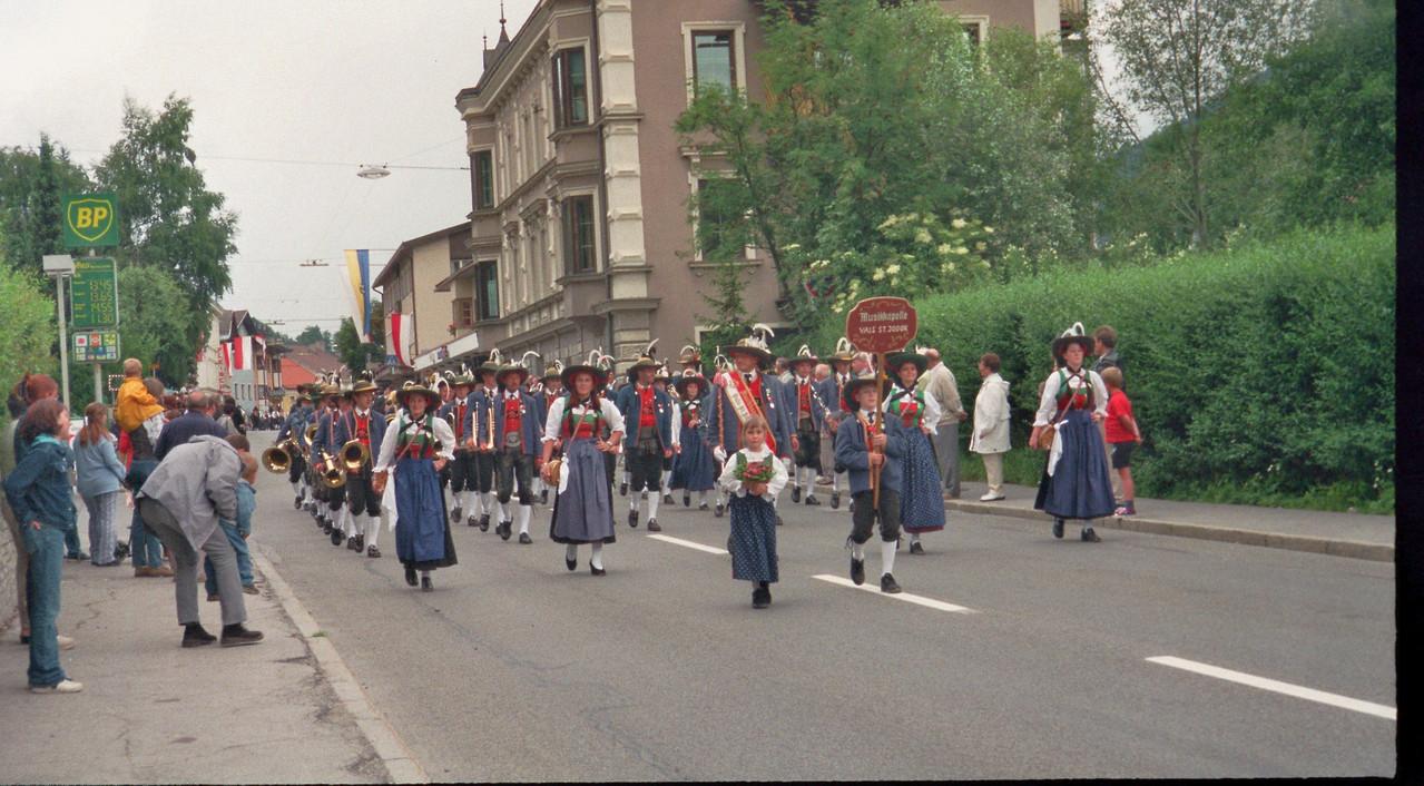 Einmarsch zum Bezirksmusikfest (Steinach) (c) Werner Daum