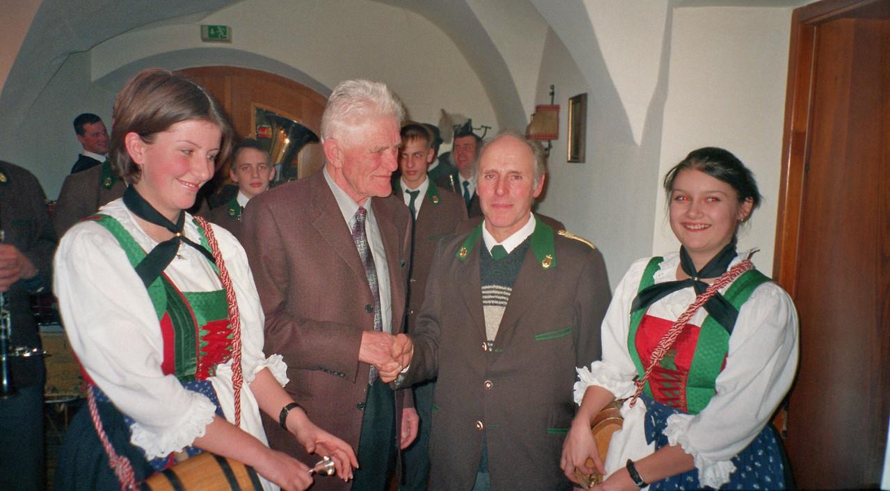Geburtstagsständchen für AltBgm. Alfred Riedl (c) Manni Mair