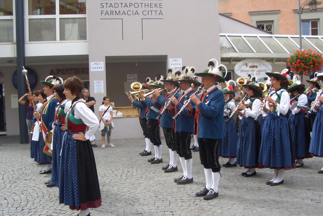 Einmarsch zu Konzert in Sterzing (c) Werner Daum