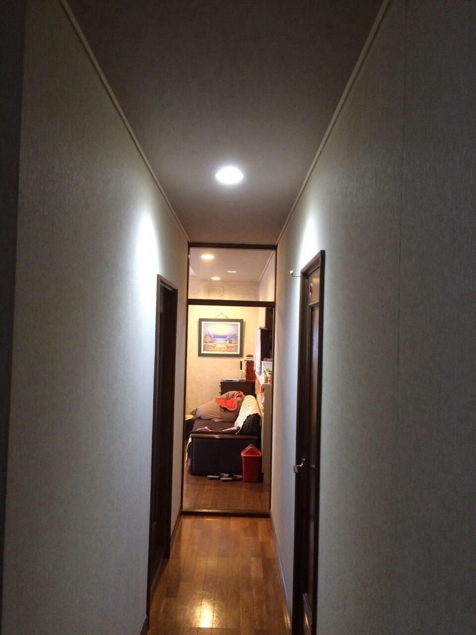廊下は人感付き😃
