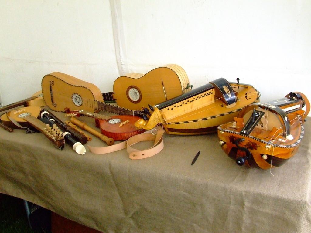Vielles, cistres & guitares