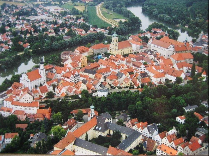Luftbild Stadt Neuburg (Foto: Barbara Schnell)