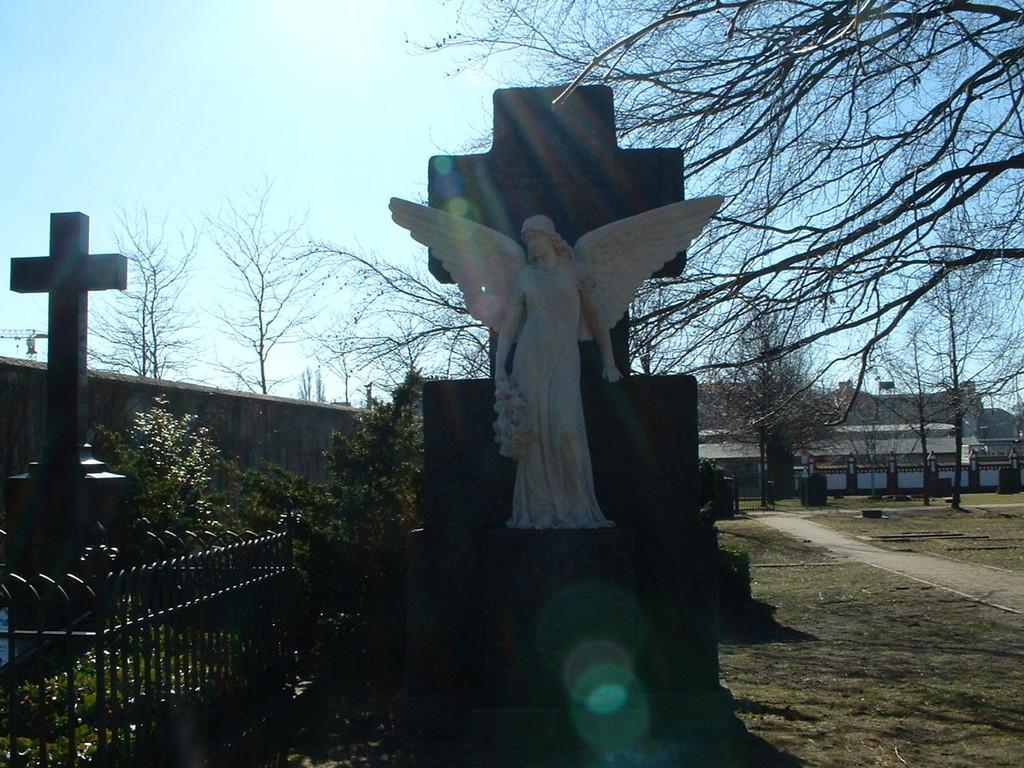 und für die Gläubigen unter Euch auch ein Engel ...