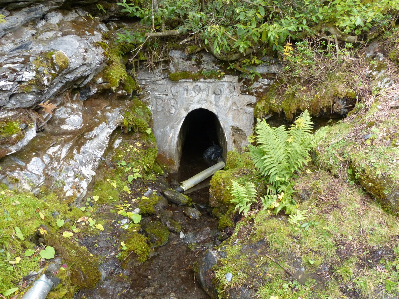 Abfluss-Ausgang ins Tal