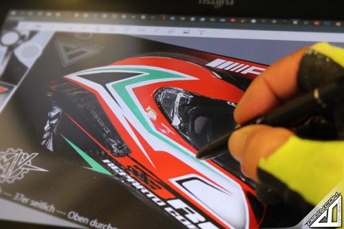 Layout_Zeichnen_Design_Grafik_Vorab_Entwurf_Helmdesign_Wacom_DPI