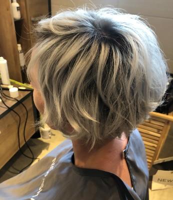 Pflegeleichte Frisuren