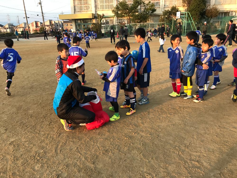 コーチから子供達へ クリスマスプレゼント!!