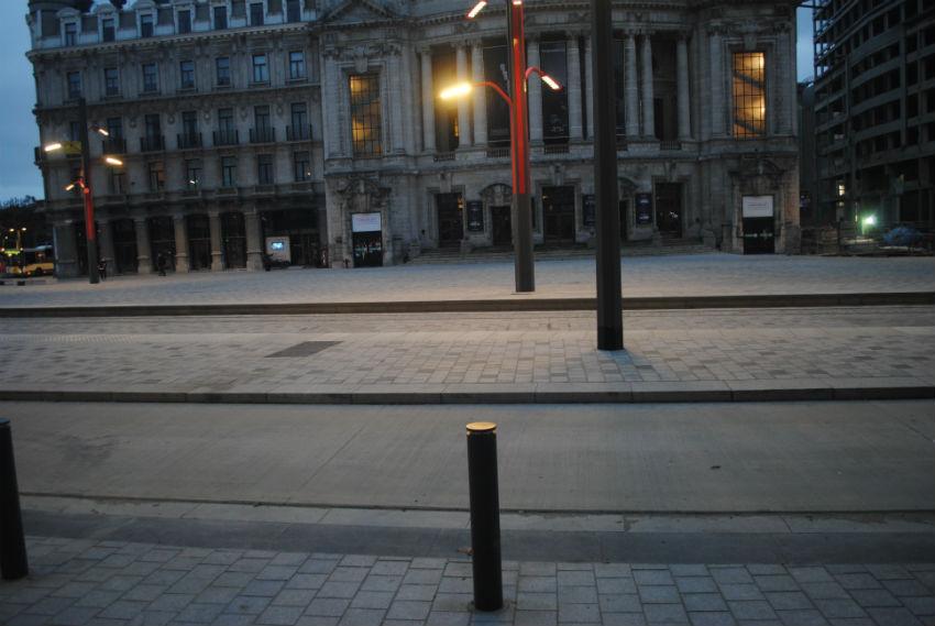 Aanleg voetpaden Operaplein Antwerpen
