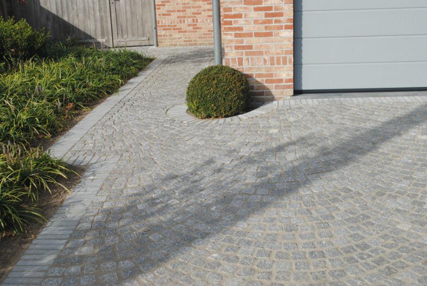 Aanleg van parking met Portugese mozaiek