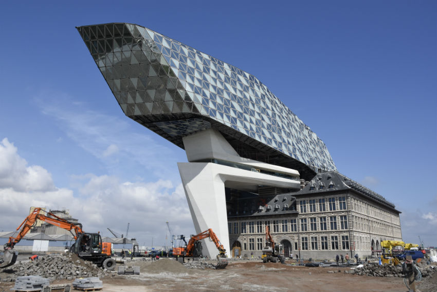 Bestratingen Antwerpen havenhuis