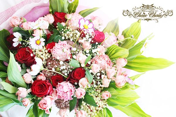 プロポーズのフレームアレンジ(プリザーブドフラワー)と生花の花束 order no 201796