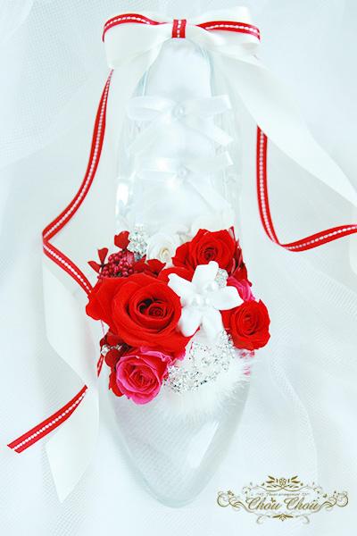 ガラスの靴 ディズニー プロポーズ ディズニーランドホテル 赤薔薇 ティアラ リングケース オーダーフラワー  舞浜 花屋 シュシュ chouchou