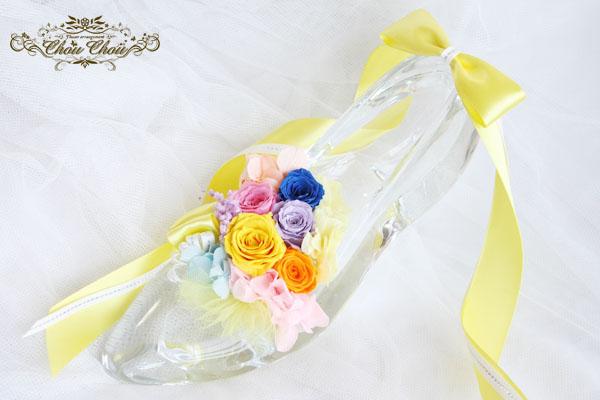 バースデーイベントのお祝い花 5色のバラのガラスの靴アレンジ order no 180301