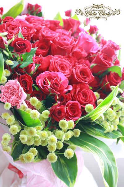 プロポーズ 100輪のバラの花束 アンバサダーホテル