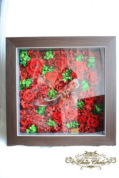 プロポーズ ガラスの靴と赤薔薇のフレームアレンジ order no 181208