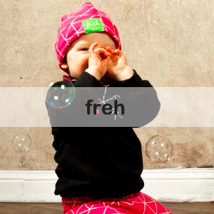 freh.berlin Kindermode Handmade in Berlin Bio-Baumwolle Upcycling Jeans Hosen Babypullover im zuckerfrei | Kids Concept Store
