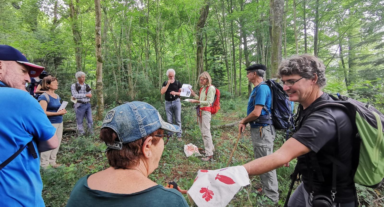Talisman : un modèle est présenté - il faut en faire un pour la forêt du Bager - on demande quelques volontaires pour le réaliser.
