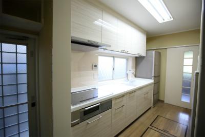 福津市 キッチンリフォーム 自動水栓・クロス貼り替え・塗装工事