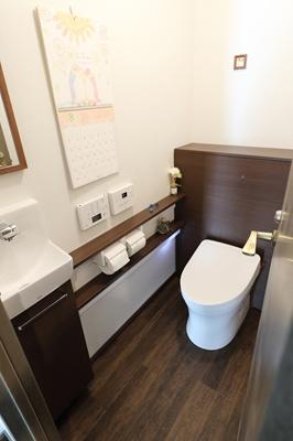 福津市 マンショントイレリフォーム 手洗い・収納付き一体型トイレ