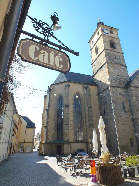 Die Johanniskirche, gesehen vom Cafe Vorndran Eingang Wenckheimer Gäßchen - Foto: Dieter Bauer