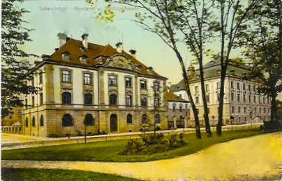 Rentamtgebäude und Justizgebäude am Schillerplatz 1907