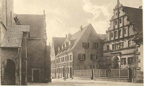 Altes Gymnasium mit St. Johanniskirche um 1920