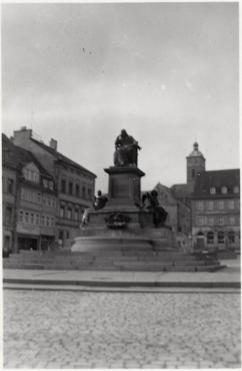 Rückert-Denkmal 1948 - Danke an Frau Ingrid Metz aus Schonungen