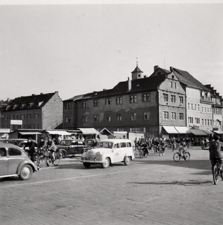 Marktplatz und Metzgergasse (Rathausnanbau noch nicht erstellt; ca. 1952) Danke an Klaus Best