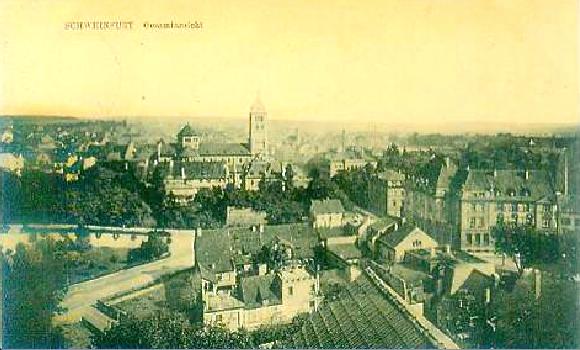 Blick auf Schultesstraße, Westmauer und Hl. Geist-Kirche um 1915