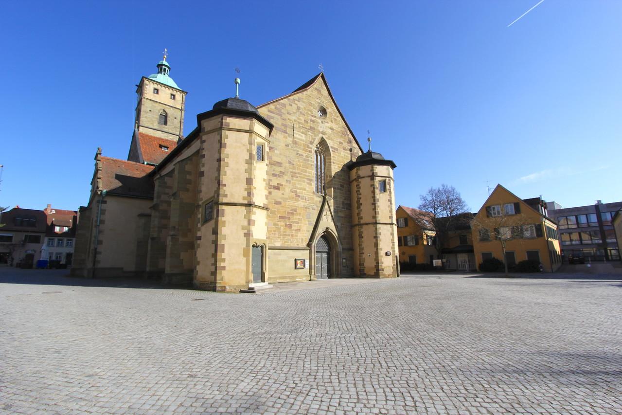 Martin-Lutherplatz März 2013 - mit St. Johanniskirche und Gunnar-Wester-Haus