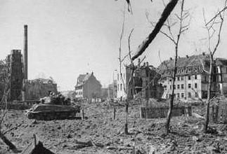 US-Panzer auf dem Gelatine-Gelände - April 1945