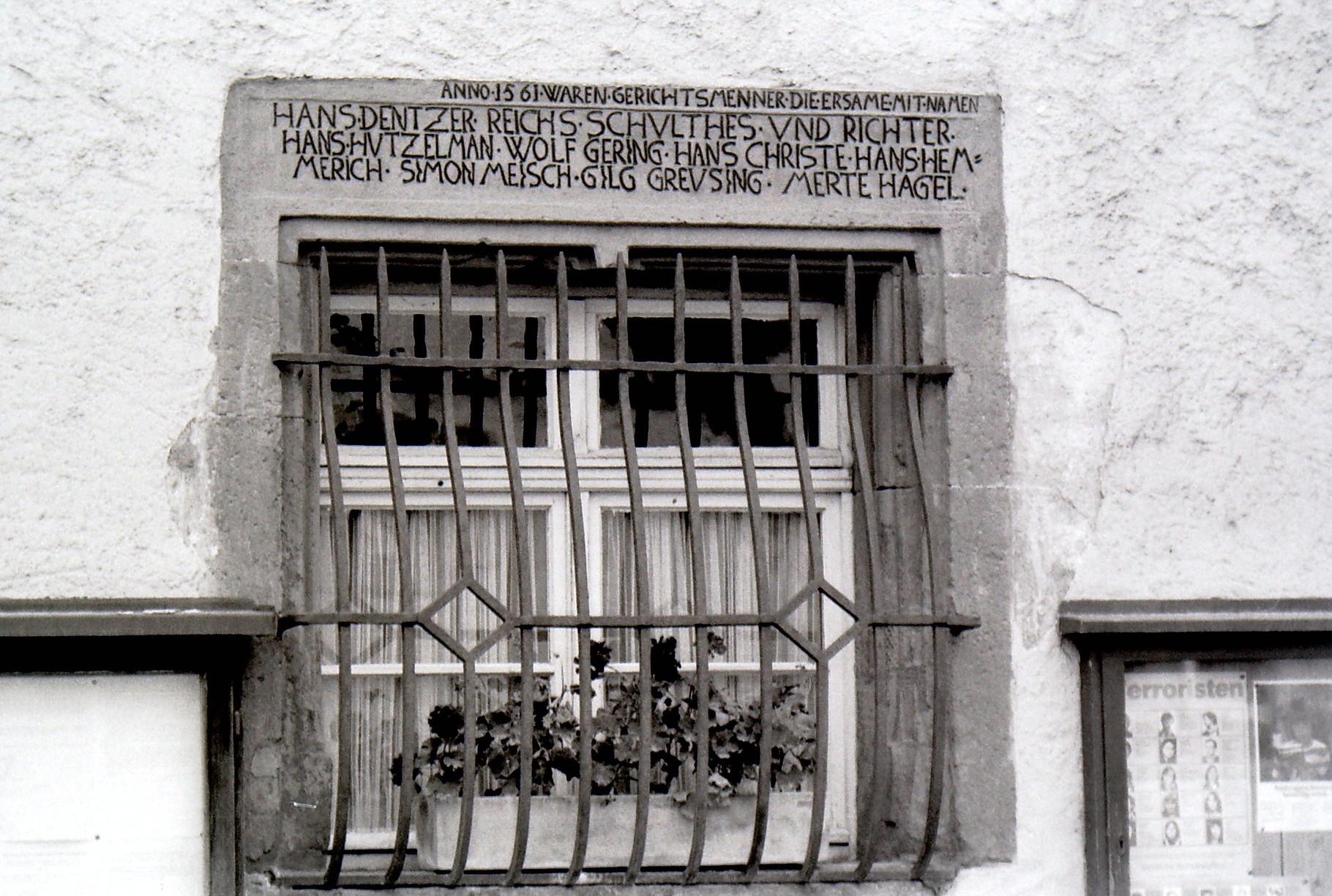 Fenster am Rathaus